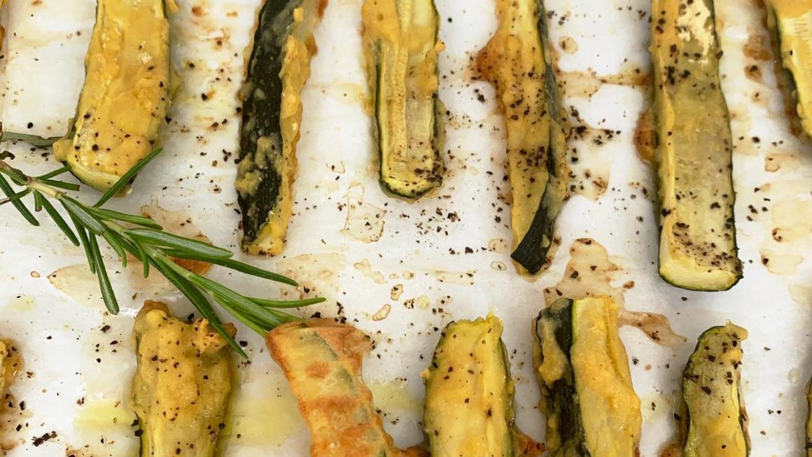 Stick di zucchine al forno con farina di ceci